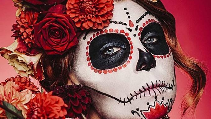 Detrás del maquillaje de Día de Muertos