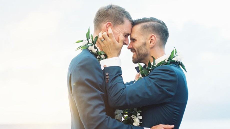 Bodas de playa LGBT
