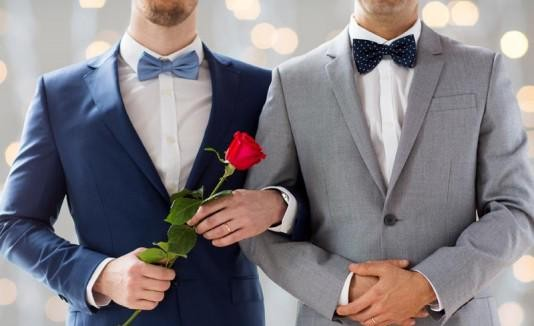 5 STATES WHERE GAY MARRIAGE IS LEGAL