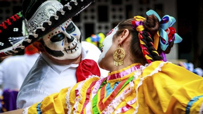 Celebra el Día de Muertos en Puerto Vallarta