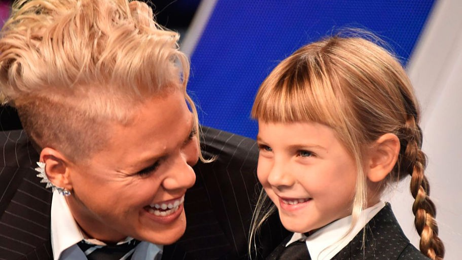 Pink inspires with emotional speech to her daughter